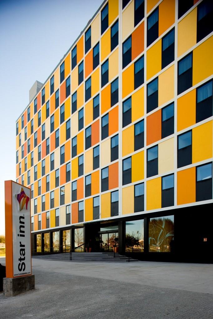 Star inn porto smart choice design hotel for Porto design hotel